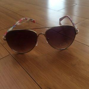 Accessories - Sun glasses